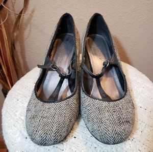 Coconut gray wedges
